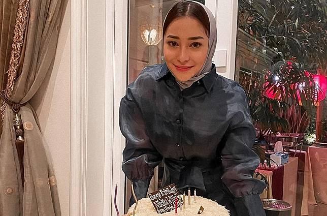 Gaya Hijab Nikita Willy Jadi Sorotan di Hari Ulang Tahun