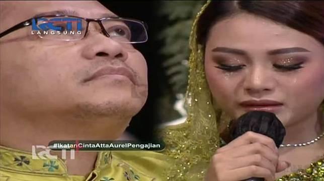 Aurel Hermansyah menangis di depan Anang Hermansyah.
