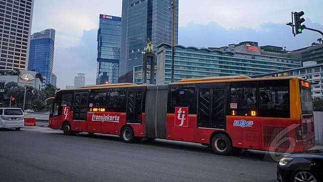Pasca-Terbakar, Transjakarta Hentikan Operasional 30 Bus Zhongtong