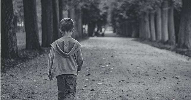 男謊報優秀背景「瘋狂捐精」!10名孩都診斷出患有自閉症