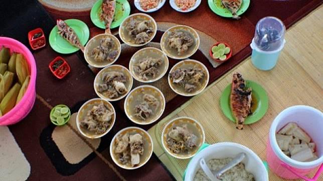 Sajian sup ikan khas Sulawesi. (Shutterstock)