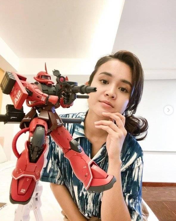 Profil Michelle Ziudith Si Cantik Pemain Ftv Yang Hobi Koleksi Gundam Orami Magazine Line Today