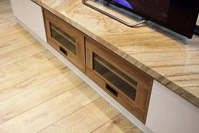 木質電視櫃