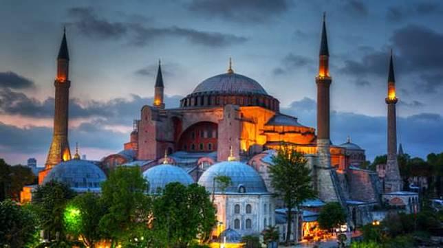5 Negara Ini Cocok Jadi Tujuan Traveling saat Idul Fitri