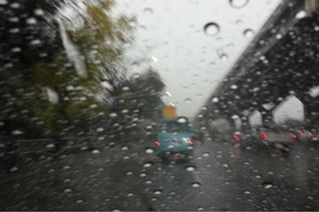 29จว.รับมือฝนถล่ม กทม.ฝนฟ้าคะนอง60%ของพื้นที่