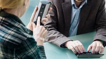 手機筆電2合1,Cosmo Communicator搭載外置螢幕免開蓋接電話