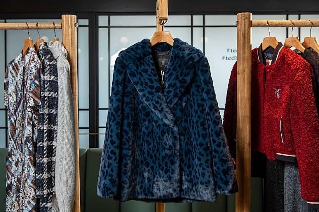 豹紋毛毛大衣是女生秋冬必備。(互聯網)
