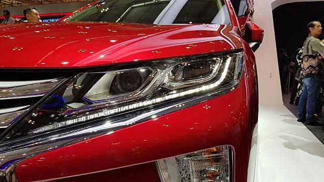 Lampu Utama Mitsubishi Eclipse Cross Model Dual Keen