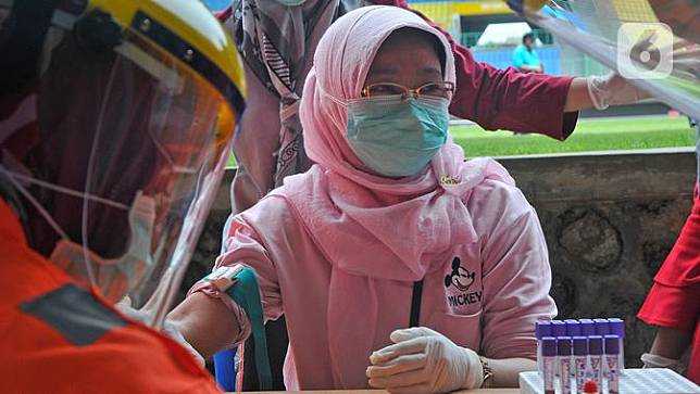 Tenaga Medis Kota Bekasi Jalani Rapid Test Covid-19