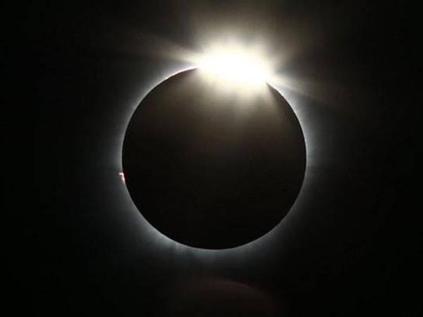 Apa Sih Gerhana Matahari Cincin Yang Akan Hiasi Langit