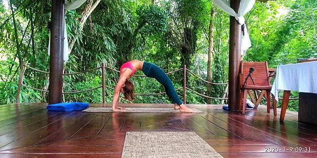 做瑜伽可以緩壓力。