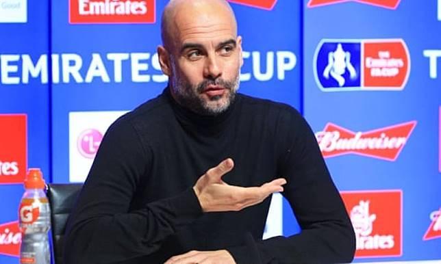 Guardiola Enggan Bahas Kegagalan Man City Rekrut De Jong