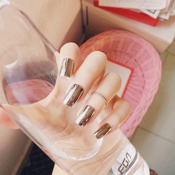 配洋裝彩繪美甲貼歐美長版朋克金屬煙灰色鏡面美甲成品假指甲貼片 24片送膠水【可重複使用】