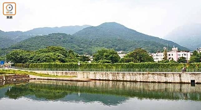 車公廟面向5個山頭,形成「五虎下堂」布局,所以村民希望借車公來鎮壓這幾隻猛虎。(資料圖片)