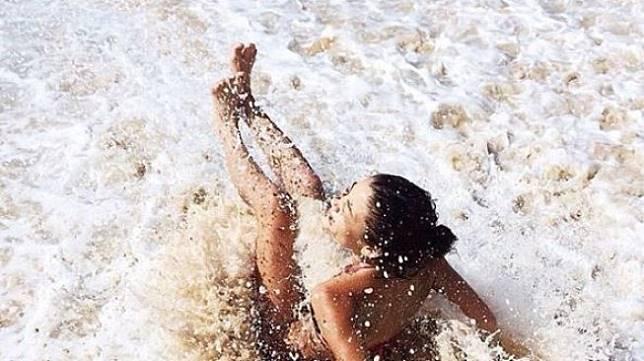 Salah Satunya di Indonesia 3 Pantai dengan Peraturan Terunik di Dunia