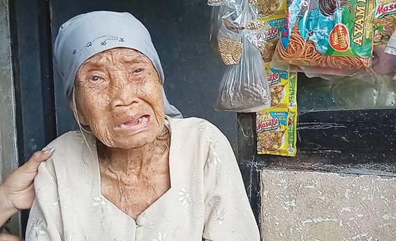 Ternyata Bantuan Nenek Maemunah Dialihkan ke Rekening Lain