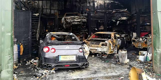 Bengkel mobil terbakar (motor1.com)