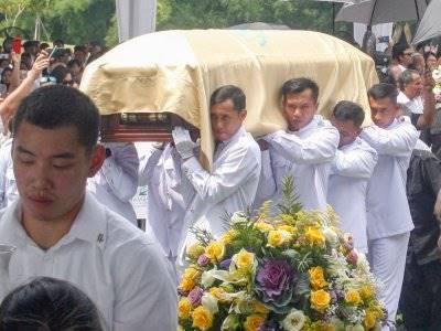 FOTO: Melihat Prosesi Pemakaman Miliarder Ciputra