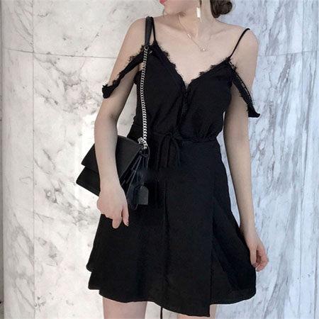 一字細肩帶V領低胸蕾絲性感一件式綁帶洋裝 ♥ onetwo♥