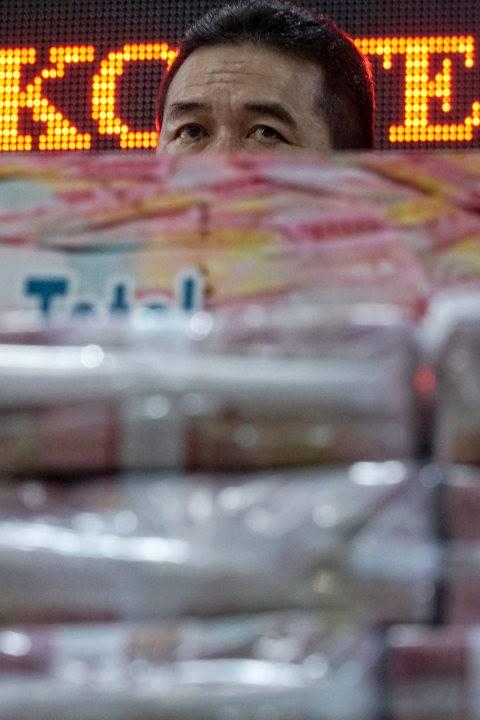 Kejagung Pamerkan Rp 100 M Uang Sitaan Kasus Korupsi