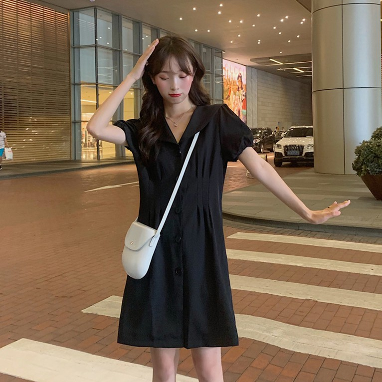 [現貨] 新款氣質娃娃領V領短袖洋裝 韓版單排釦收腰顯瘦連身裙 女生學生A字裙 度假風沙灘裙