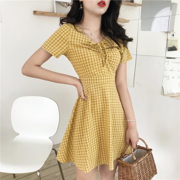 時尚洋裝 休閒洋裝 格子連衣裙 格子裙 夏天裙子很仙的法式小眾初戀裙格子短袖V領連衣裙女