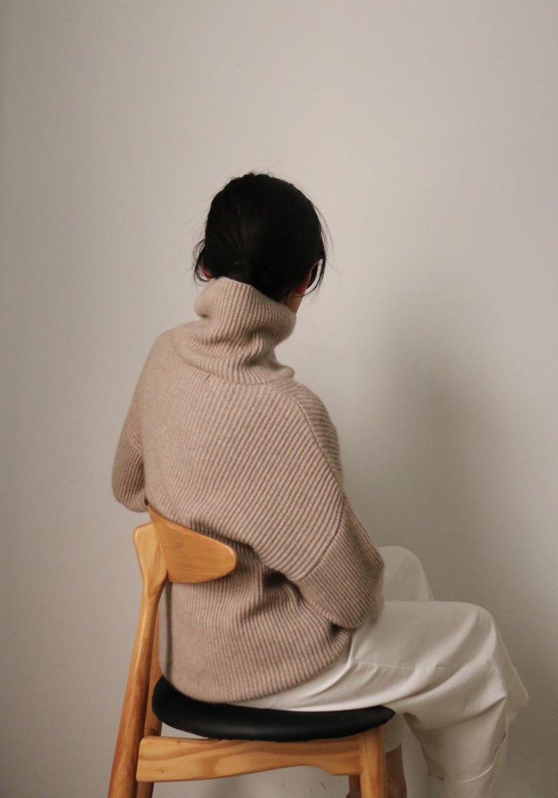 VANESSA SWEATER 寬鬆立領落肩羅紋毛衣 *更多顏色可供選擇