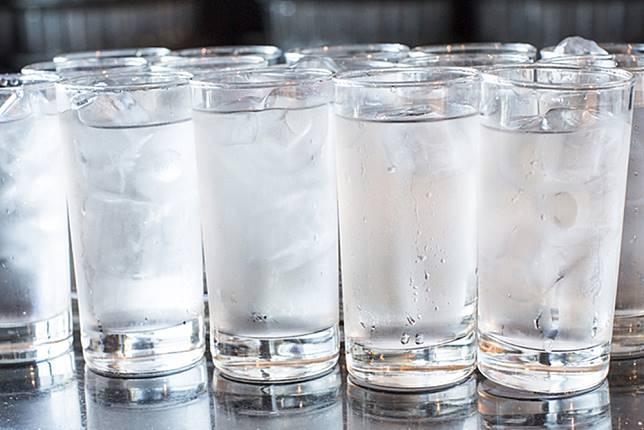 Yang Setiap Hari Minum Air Dingin Wajib Baca Ini