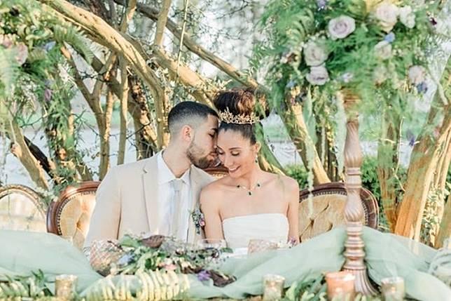 7 Foto Pernikahan yang Terinspirasi dari Disney 7f037cd2aa