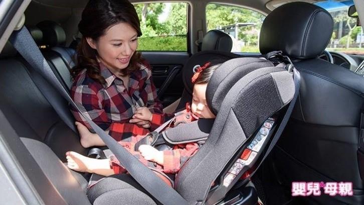 兒童汽座用錯了,急煞恐害幼兒甩斷脖!這樣坐才是正解!