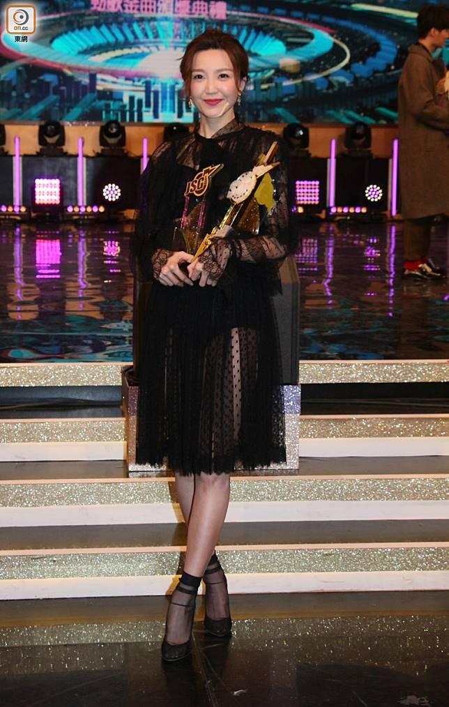 吳若希唔諗住拎最受歡迎女歌星獎。