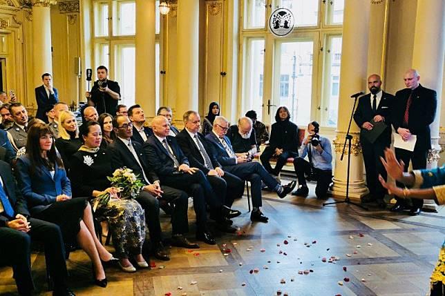 Dubes lantik Konsul Kehormatan RI Pertama di Polandia