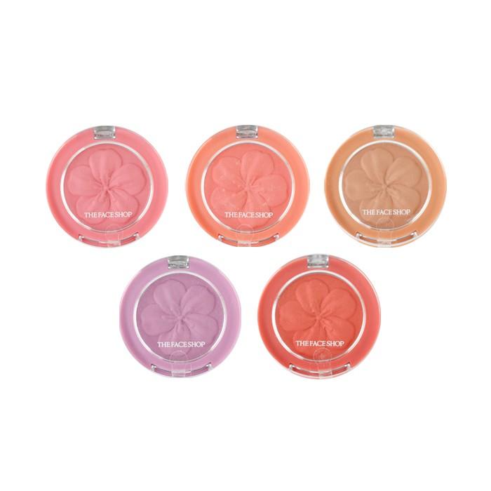 【商品特色】 韓國 The Face Shop 花瓣立體腮紅 3.8g 立體花瓣造型,顏色飽和顯色,創造完美腮紅 可下單選項皆為現貨,無須詢問客服唷❤ #THEFACESHOP #菲詩小舖 #腮紅 #