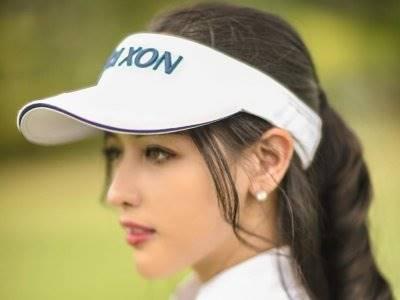 Inilah Potret Siwi Sidi Bermain Golf, Cantik dan Sporty!