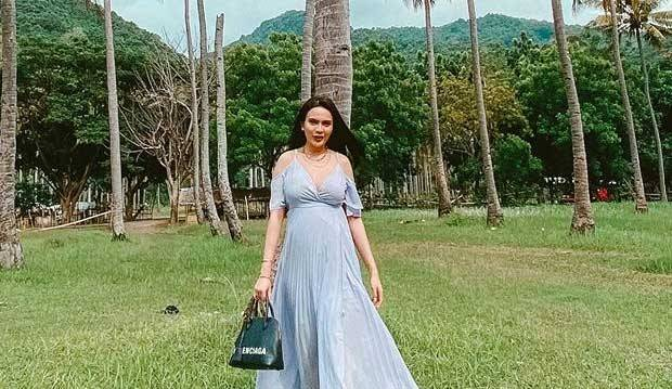 Belum Genap 2 Bulan Menikah, Anggita Sari Pamer Perut Buncit
