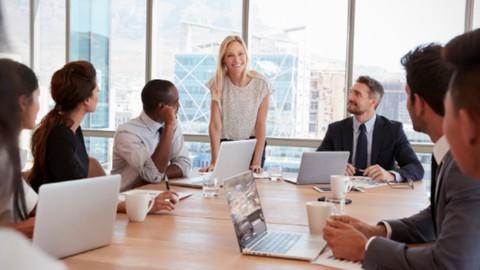Impara a gestire le riunioni aziendali in presenza e online per ottimizzare il tempo e raggiungere i
