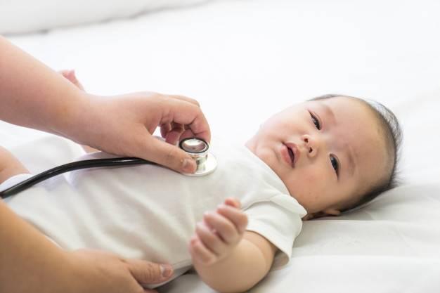 โรค RSV เชื้อที่เด็กติดได้เพราะถูกหอมแก้ม