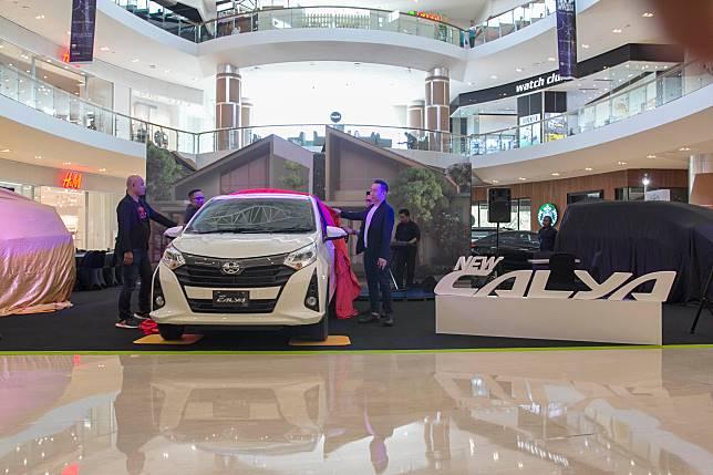 Toyota New Calya diperkenalkan di The Park Mall Solo Baru