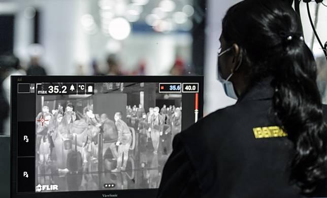 China coronavirus: Malaysia confirms three cases; Australia reports first case