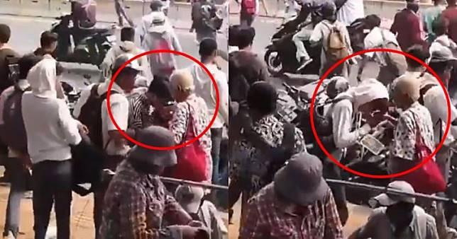 Viral Momen Anak Stm Salim Ke Orang Tua Di Lokasi Demo Salut