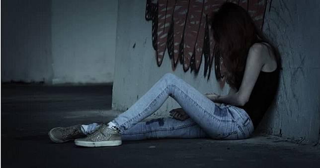25歲女遭2富二代撿屍玩到重傷 慘需抽出「1可樂罐血水」