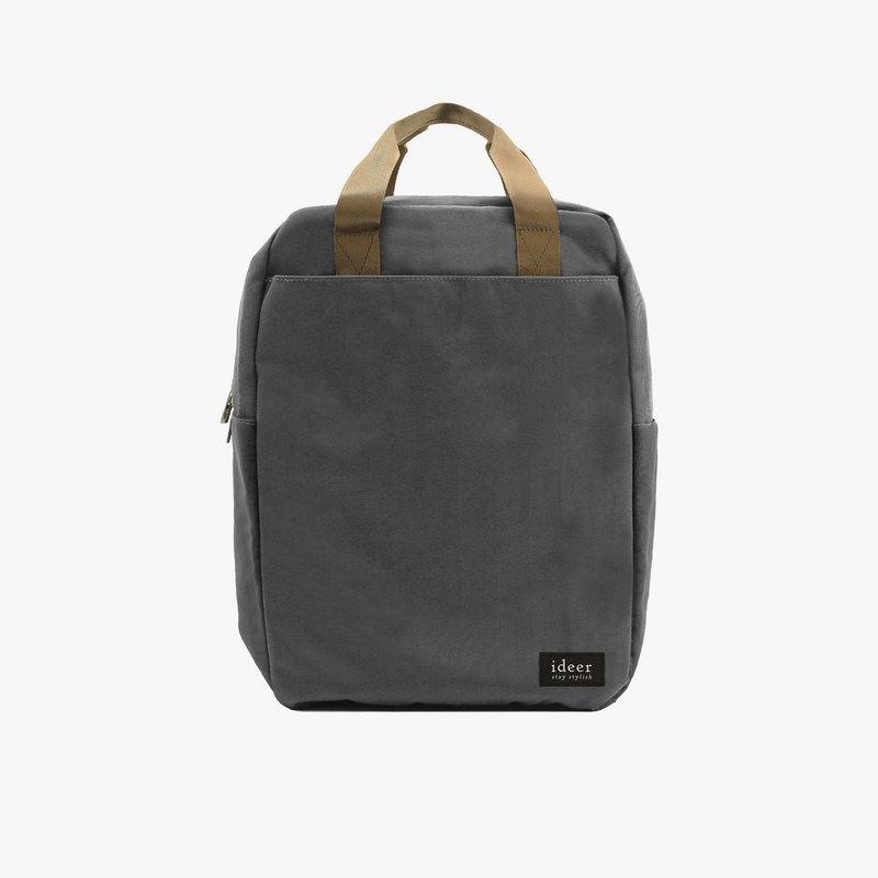 Bryson是一個防潑水耐用功能型的時尚背包,為您全天候保護隨身攜帶的物品。Bryson內置一個加厚墊隔間保護您的筆記本電腦或平板電腦,同時附有其他內隔,助您更易組織背包內的個人物品。
