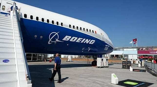 Logo perusahaan Boeing via Google Images