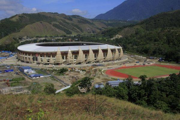 Stadion Papua Bangkit yang berkapasitas sekitar 40 ribu penonton tersebut dipersiapkan untuk perhelatan PON tahun 2020.