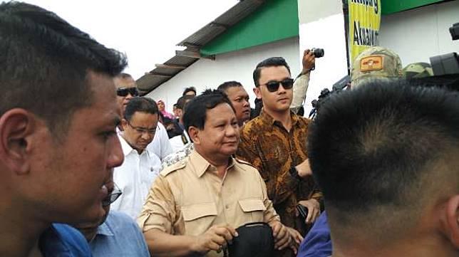 Ketua Umum Partai Gerindra Prabowo Subianto mengaku memantau penggusuran yang dilakukan Basuki Tjahaja Purnama sejak menjadi gubernur DKI Jakarta. (suara.com/Nikolaus Tolen)