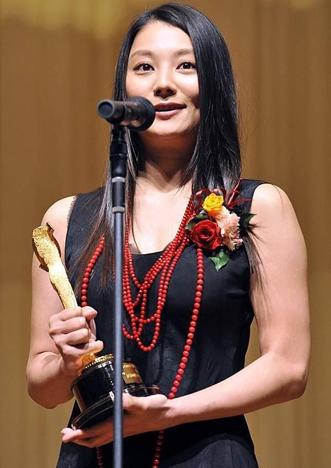 小池榮子轉戰演戲後,獲過不少獎項。