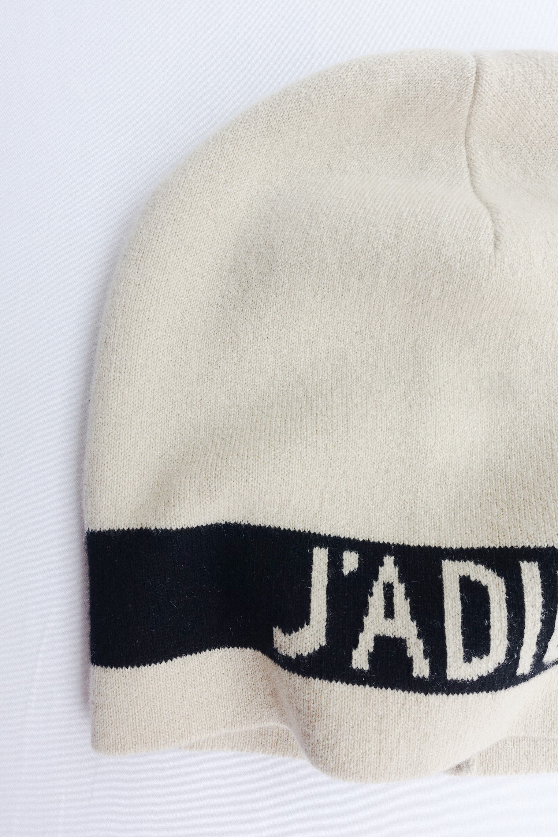 (Smile) J'A DIOR 經典羊絨毛帽 黑色 白色 雙色可選