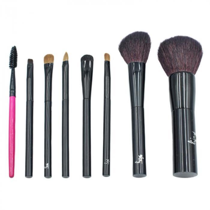 含蜜粉刷、大中小眼影刷、唇刷、斜眉刷、眉睫刷、收納包