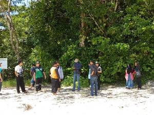 Tak Takut Corona Warga Malang Wisata Ke Pulau Sempu