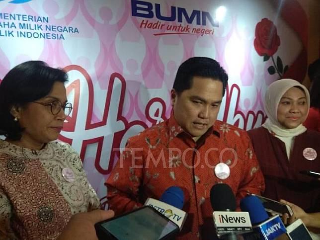 Dari kiri Menteri Keuangan Sri Mulyani Indrawati, Menteri Badan Usaha Milik Negara Erick Thohir, dan Menteri Ketenagakerjaan Ida Fauziyah di Djakarta Theater, Ahad, 22 Desember 2019. Tempo/Hendartyo Hanggi